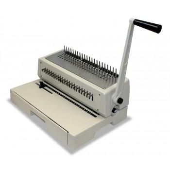 Machine pour peigne plastique